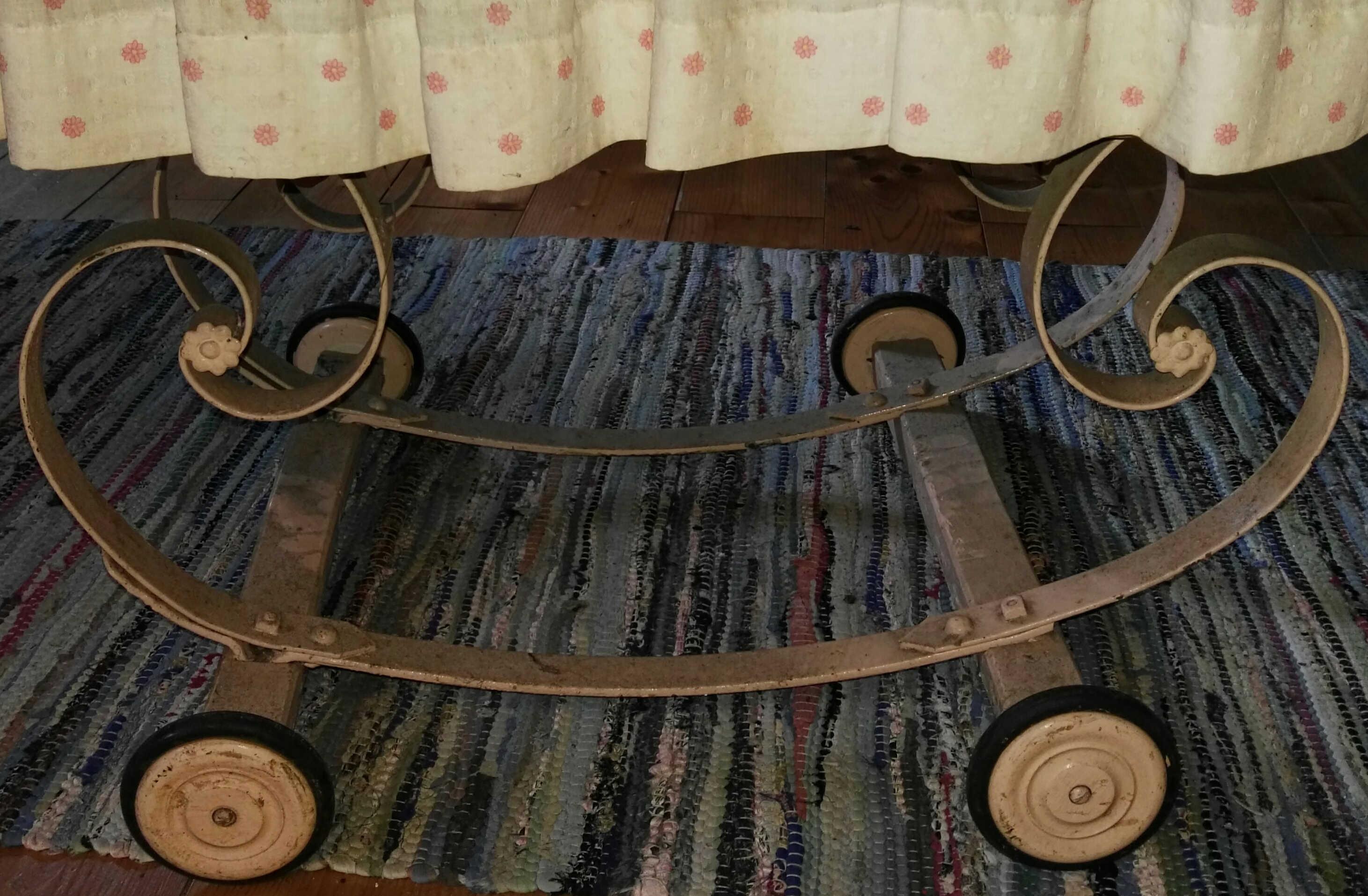 Stubenwagen gründerzeit schmiedeeisern mit rollen u2013 antik deele